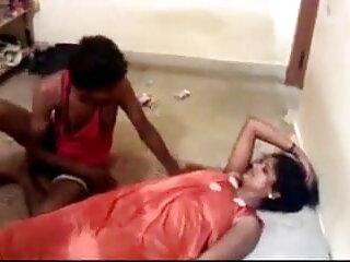 बैंगनी में पतली लड़की का इंग्लिश हिंदी सेक्स मूवी गैंगबैंग हो जाता है