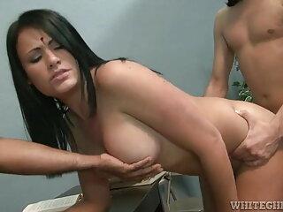 यूरो मैडचेन मूवी सेक्सी इंग्लिश फिल्म एमेट्योर इंटिम 28