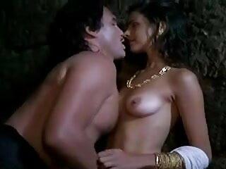 प्यूमा स्वेड अपनी गीली चूत का हस्तमैथुन सेक्सी मूवी इंग्लिश वीडियो करती है