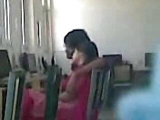 माँ और बेटा इंग्लिश हिंदी सेक्स मूवी १५