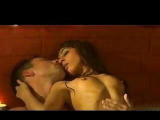 अमांडा रेंडल ने लाइव शो के दौरान अपनी अद्भुत गांड इंग्लिश मूवी सेक्सी पिक्चर हिलाते हुए