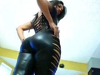 गर्म इंग्लिश सेक्स मूवी फुल प्यारा वेश्या उसके मालिक द्वारा दंडित हो जाता है