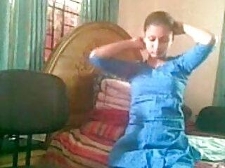 Milf Prostitute ने 2 सेक्सी वीडियो इंग्लिश मूवी ग्राहकों को संतुष्ट किया