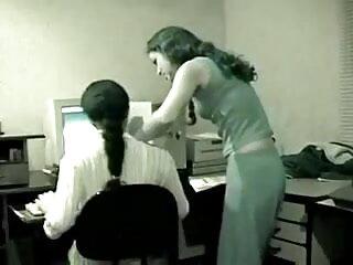 चिकी इंग्लिश सेक्सी मूवी वीडियो में अपने बेस्ट फ्रेंड को फेशियल करवाती है