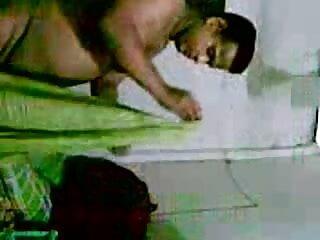 दो गर्म इंग्लिश सेक्सी मूवी वीडियो में MILFs के साथ समलैंगिक यौन संबंध