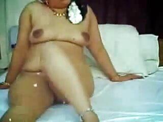 ब्रिटिश बस्ट एलेक्सिस सिल्वर सेक्स मूवी इंग्लिश फिल्म एक समूह सेक्स दृश्य में गड़बड़ हो जाता है